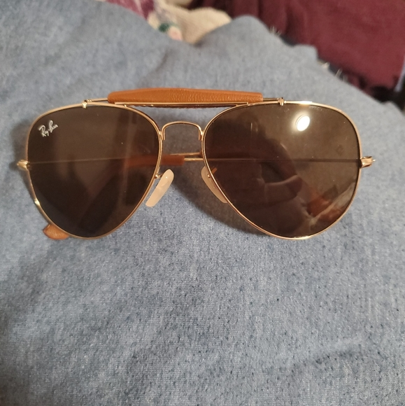 Ray Ban Sunglasses. Only used Once.
